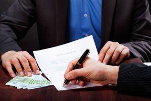 Pożyczka na raty i u pracodawcy – co wybrać?