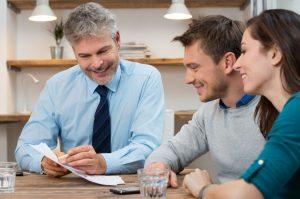 Obecnie istnieje wiele sposobów na sprawdzenie klienta bez konieczności wykonywania przelewu weryfikacyjnego.
